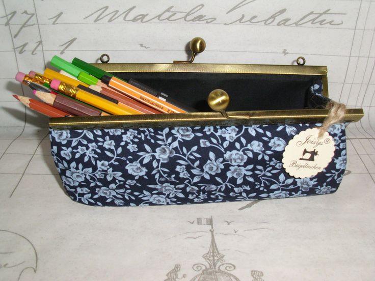Joisys® Stifte Box mit Bügelverschluss Silbergrau von Joisys® Bügeltaschen auf DaWanda.com