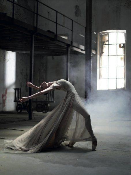 Ballerina Lucia Lacarra - Oh, such elegance :)