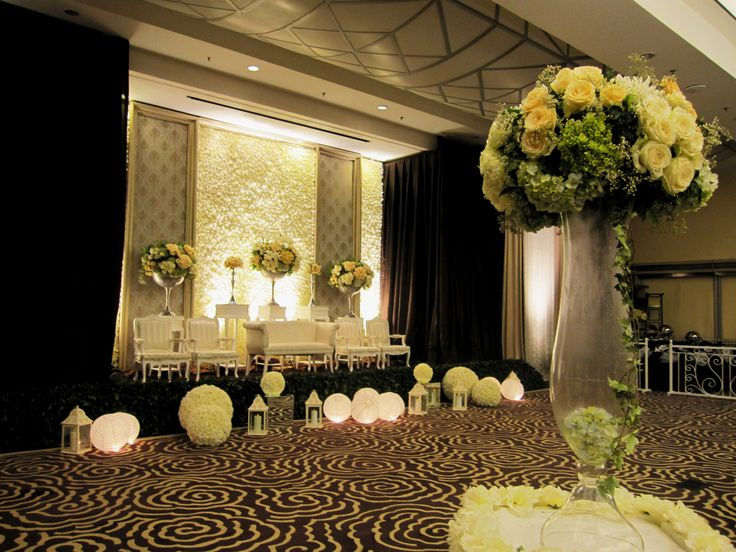 18 best dekorasi images on pinterest jakarta wedding reception decor wedding peach modern mawarprada dekorasi pernikahan pelaminan junglespirit Choice Image