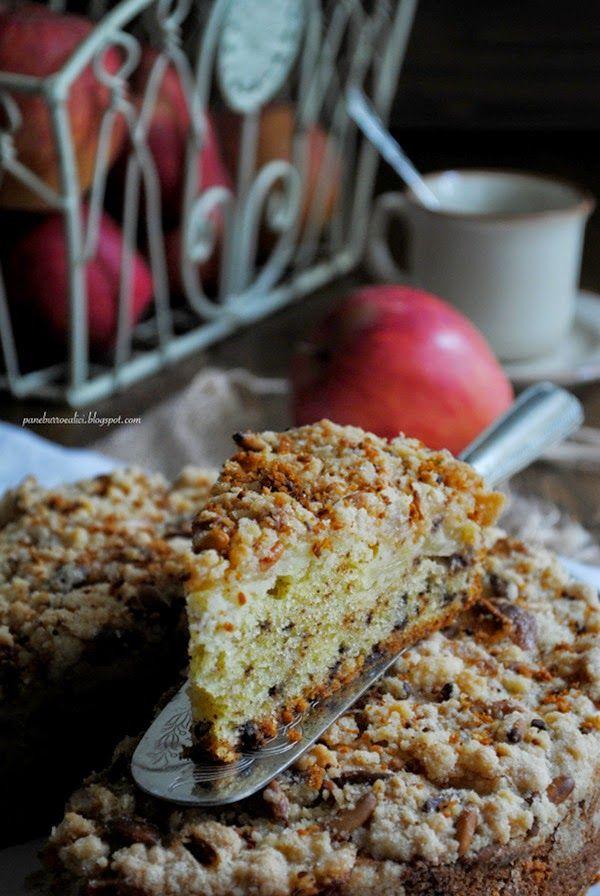 Pane, burro e alici: Torta di robiola e cioccolato con crumble di mele e pinoli