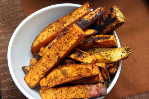 Healthy Oven Baked Sweet Potato Fries Recipe.. Going to try this week!  I love sweet potato