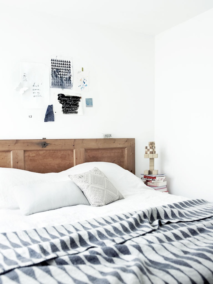 Deur als hoofdeinde - vtwonen -- Modern Geometric throw bed black and white