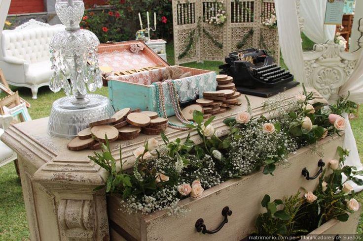 Rincones con encanto para un matrimonio vintage #decoracion #vintage #estilo #celebracion #rincones #encanto #boda #matrimonio #style #wedding #decoration #celebration