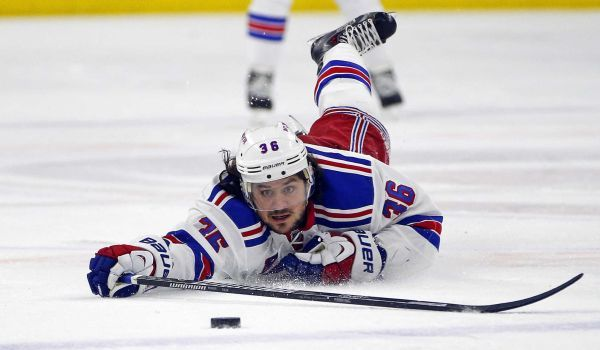 Mats Zuccarello would like long-term deal with Rangers