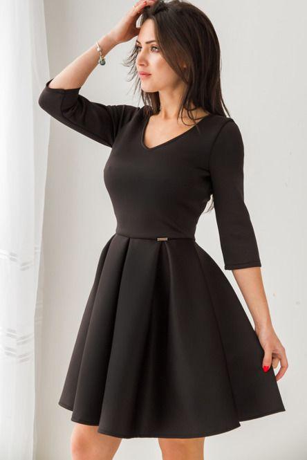 Rozkloszowana sukienka z pianki - czarna