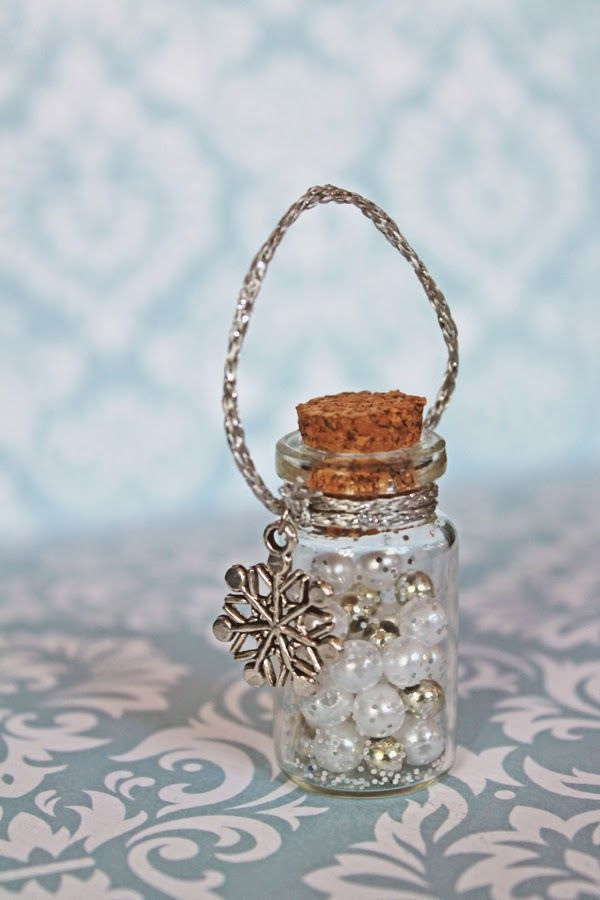 Frozen snowflake party favor bottles