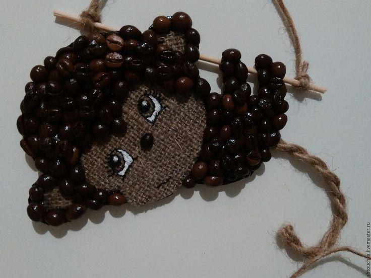 Купить или заказать Магниты из кофе в интернет-магазине на Ярмарке Мастеров. симпатяга обезьянка- символ 2016 года, прекрасно украсит новогоднюю елку, далее можно использовать как магнит на холодиль…