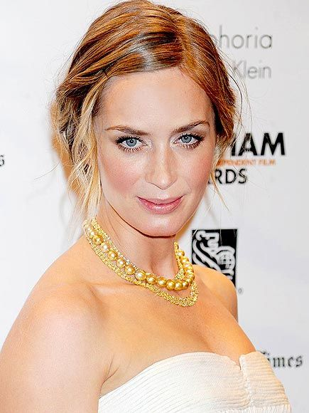 Pretty layered necklaces like Emily Blunt http://www.peoplestylewatch.com/people/stylewatch/gallery/0,,20579798,00.html#
