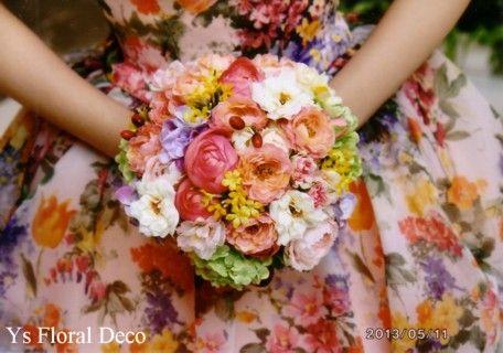 5月に品川プリンスホテルさんで挙式ご披露宴の新婦さんより、当日のお写真をいただきましたので、ご紹介いたします。お色直しのカラフルなお花柄のかわいいドレスに...