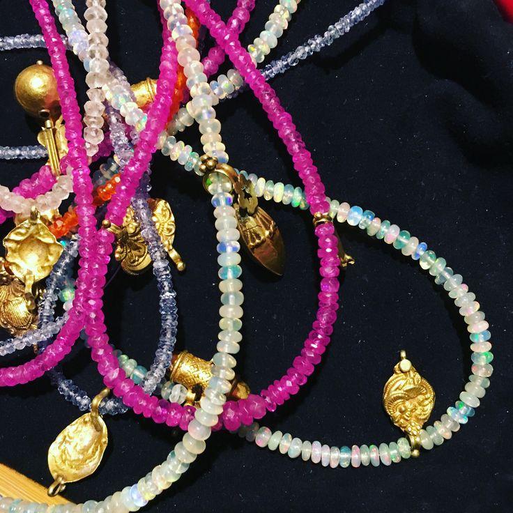 Lautropjewellery necklaces