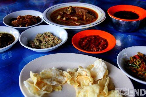 Banda Aceh — Kalau berkunjung ke Provinsi Aceh, sempatkanlah ke Sigli, Kabupaten Pidie. Hanya sekitar dua jam dari pusat kota Banda..