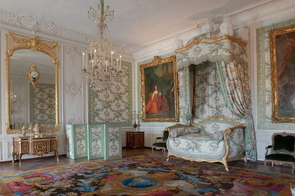 17 best images about louis quinze betten u alkoven on for Chambre louis xvi versailles