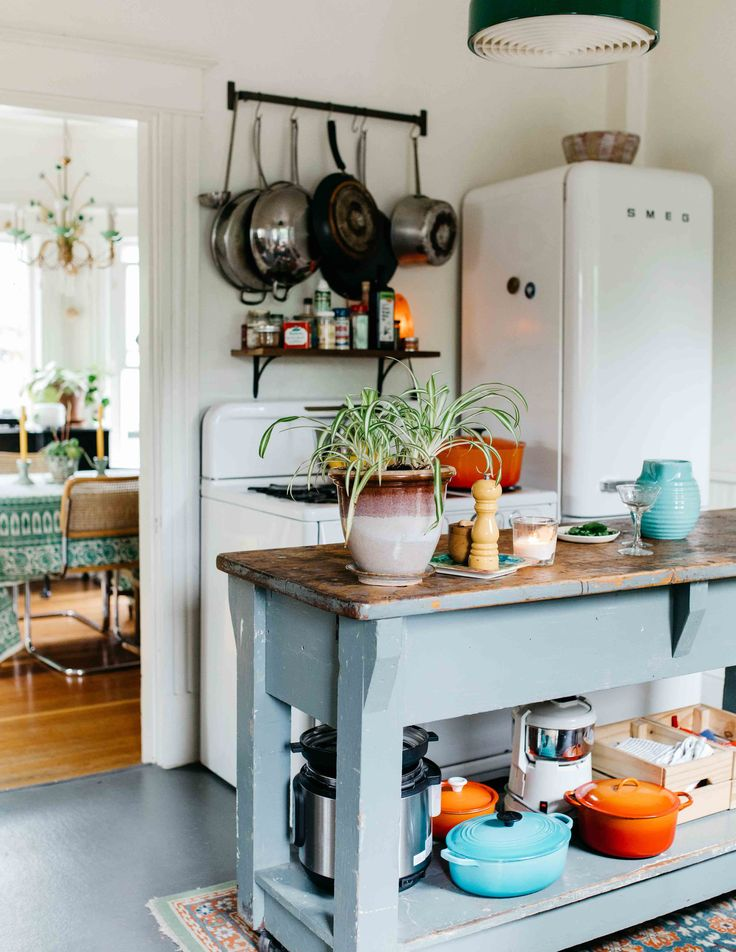 In Portland, an Early-1900s Victorian Fit for Four