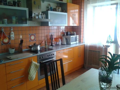 Оранжевая кухня 15.6 кв.м в 4-комнатной квартире, 130 кв.м #orange #kitchen