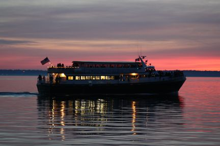 Brews Cruise in Bellingham Bay on the Victoria Star