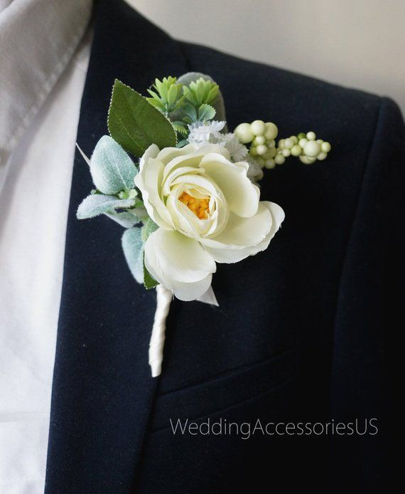 Boutonniere Men S Boutonniere For Men S Wedding Grooms Etsy Bridal Flower Comb Wedding Flower Comb Mens Boutonniere