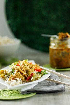 Currypaste ist rasch selbst gemacht und hält sich dann mehrere Monate. Rezept für selbstgemachte gelbe Currypaste für noch bessere Currys.