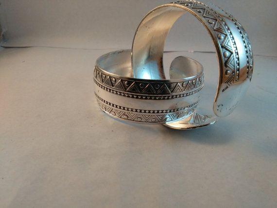 1 Pair Handmade Silver Plated Metal bangles fashion by akshainie