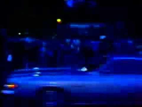 RARE VIDEO: Elvis' death, August 16,1977, outside graceland       http://internationalelvispresleyfever.heberg-forum.net/forums.html