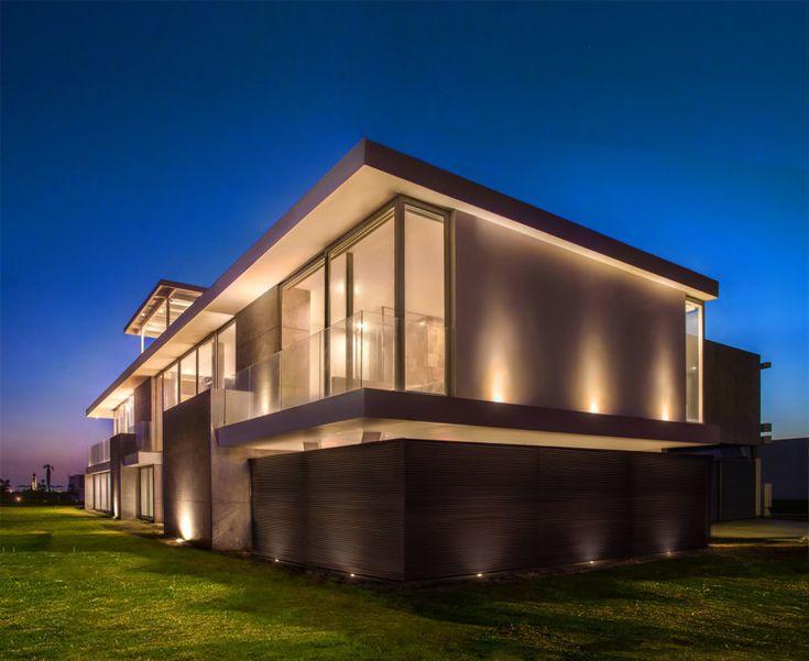 166 best Iluminacin exterior images on Pinterest  Outdoor lighting Architecture and Architecture design