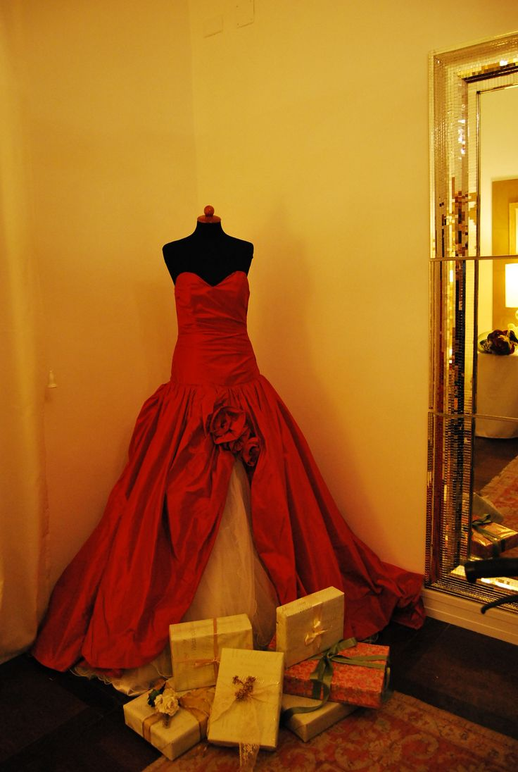 Red passion gown. Abito rosso passione.