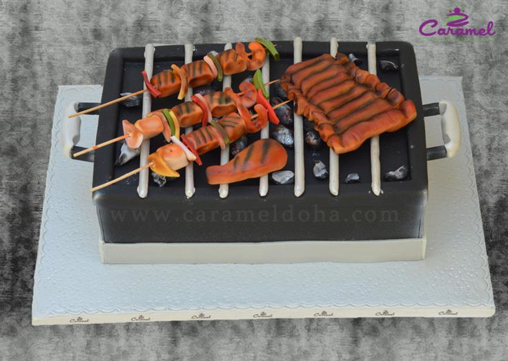 Un gâteau en forme de bbq ! la réalité est bien imitée ! (Raviday-barbecue.com valide !) #BBQ #BARBECUE #ORIGINAL