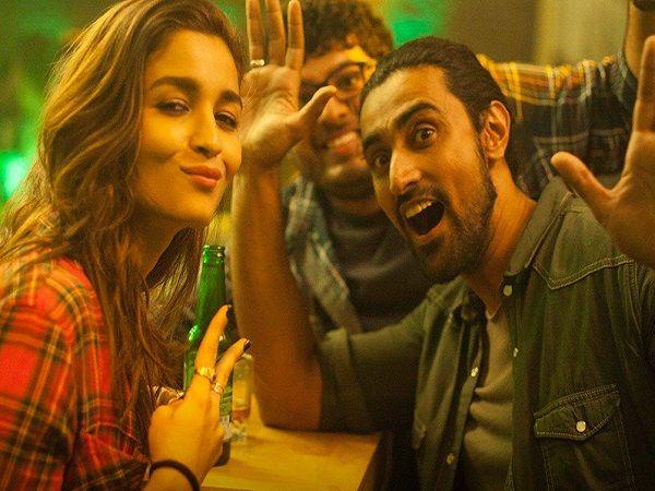 Kunal Kapoor reveals how you can impress Alia Bhatt on Tinder