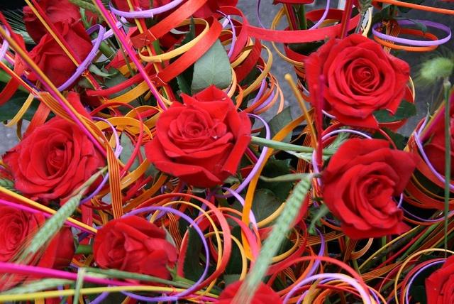 Creative #Sant Jordi Roses in #Barcelona  www.bcninternet.com