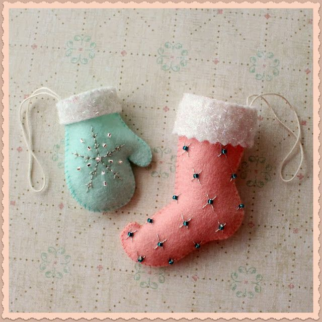 Free felt Christmas ornament pattern by Ginger Melon... perhaps make some mini-ornaments for gramma