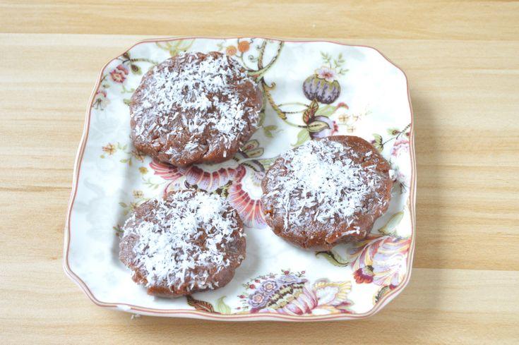 Pyszne pierniki / Delicious Gingerbread #surowe #pyszne #pierniki #szybkie #orzechy #daktyle #cynamon #ciastka #goździki #pekan #imbir #odchudzanie #zdrowe #zdrowie #raw #delicious #gingerbread #fast #nuts #dates #cinnamon #cookies #cloves #pecans #ginger #weight loss #healthy, health