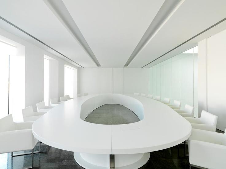 White meeting room, the Caixa Ontinyent :: Ramon Esteve studio