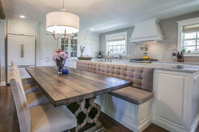 Affordable Fixer Upper Home A Chip And Joanna Creation Is Available For Only 290k Kitchen Remodel Small Kitchen Island Design Fixer Upper Kitchen