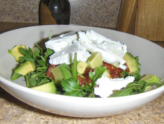 ... your lunch to work on Pinterest | Pesto salad, Greek salad and Chicken