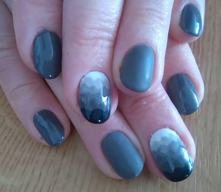 #polishgirls #polishnail #nail #paznokcie #semilac106 #semilac001 #geometryczneombre #semilac031 #szary #matt