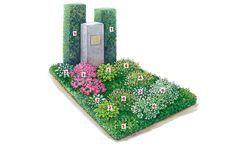 Wie zwei Skulpturen stehen die quaderförmig geschnittenen Eiben (2) hinter dem Grabstein.
