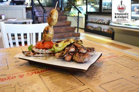 Δυο – δυο στις Τηγανιές και Σχάρες δυο – δυο Πλατώ Μπάρμπεκιου Νο 1 . Ποικιλία κρεατικών 2 ατόμων με: 2 τεμ. σουβλάκια 2 τεμ. κεφτεδάκια 2 τεμ. φιλετάκια χοιρινά 2 τεμ. πανσέτες #Σούβλες #meat #paradise #Τηγανιές& #Σχάρες #Ψητοπωλείο#Θεσσαλονίκη #Λαδάδικα #delivery #online #order