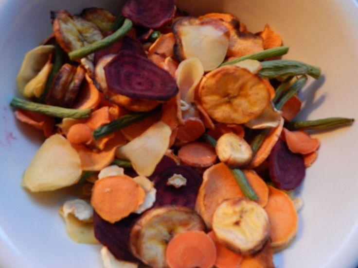 Oppas Rosan maakte chips van zoete aardappel, pastinaak en andere groenten. Lees hier hoe!