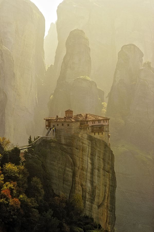 breathe...not that I'd ever, ever climb that high: Amazing, Favorite Places, Dreams, Beautiful Places, Holy Monasteri, Visit, Meteora Greece, Meteora Monasteri, Wanderlust