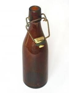 How to Identify Vintage & Antique Brown Glass Bottles: Identify Vintage & Antique Brown Glass Bottles: Antique brown glass bottles are highly collectible by antique lovers all over the country. These rich pieces of American history are the perfect addition to any antique collection. Unfortunately, there are many impostors & look-a-likes when it comes to antique brown glass bottles, so you need to know how to identify which ones are true antiques &  which ones are simply clever knock-offs