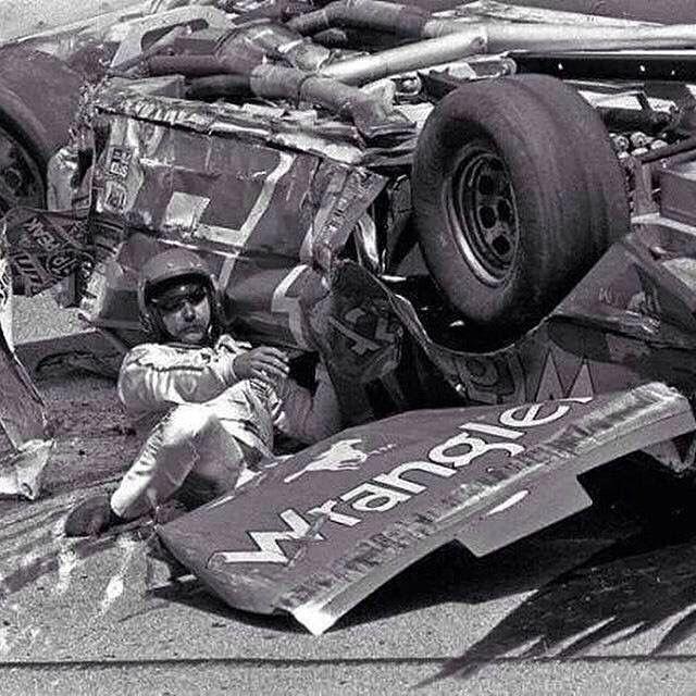 Nascar Crash Wallpaper: 581 Best Images About Dale Earnhardt Sr. On Pinterest