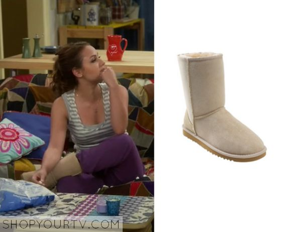 Young and Hungry: Season 2 Episode 16 Sofia's Nude Slippers