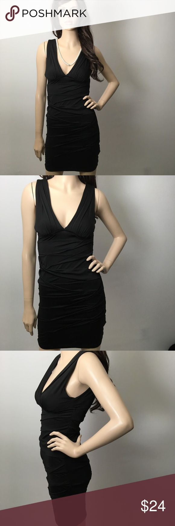 Sexy Little Black Low Neck Dress 💋 So sexy. It's textured. Like new condition. 💋 Xxi Dresses Mini