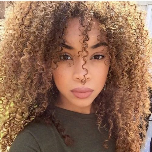Image Via We Heart It #curls #curly #eyebrows #eyes #goals