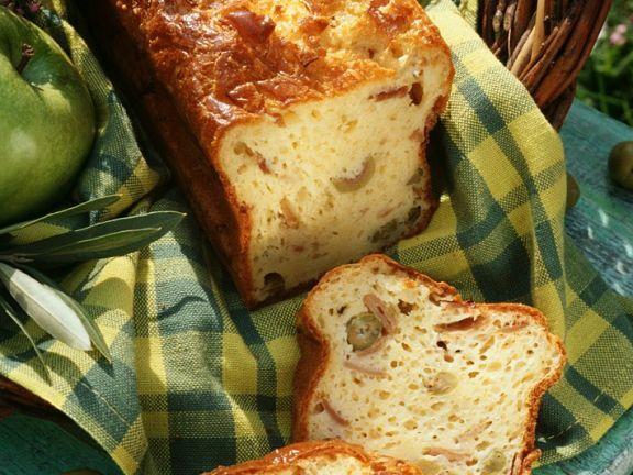 Oliven-Schinkenkuchen ist ein Rezept mit frischen Zutaten aus der Kategorie Fruchtgemüse. Probieren Sie dieses und weitere Rezepte von EAT SMARTER!