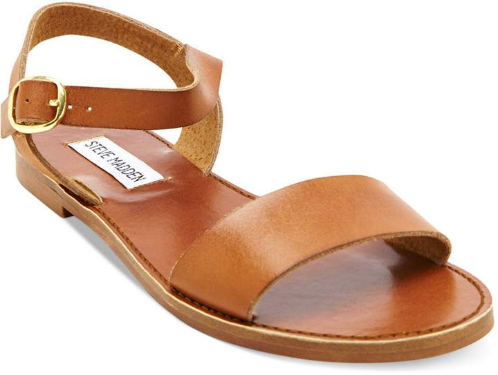 Steve Madden Donddi Flat Sandals - I love simple sandals that go with everything  #sandals #sandalweather #summershoes #springshoes #macys #ad #womansfashion #springoutfits #cuteoutfits #summeroutfits #flats #stevemadden
