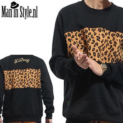 Zwarte effe trui met opdruk voor en achterkant panter print  dierlijke printen zijn een vaak voorkomende trend deze winter