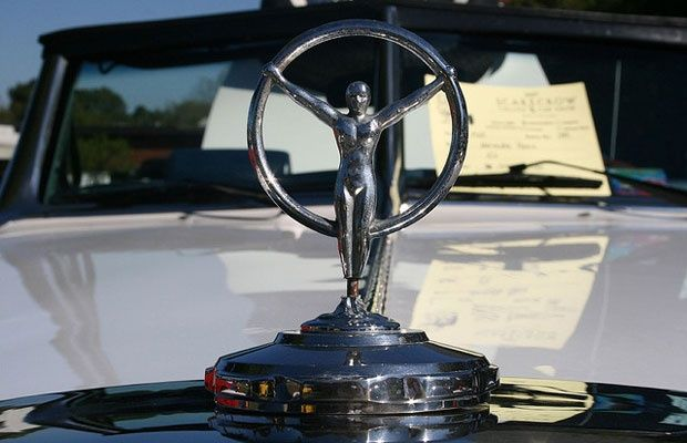 1444 best auto tractor motorcycle emblames images on for Mercedes benz hood ornament