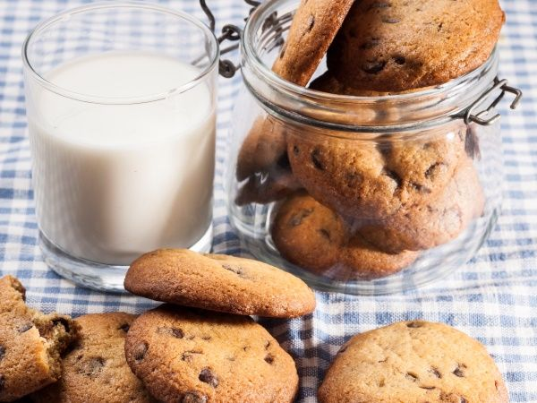 Chocolate chip cookies • Bake these yummy cookies for 8 minutes for a soft and chewy texture or up to 12 minutes for a crisper result. Either way, they'll disappear even faster!