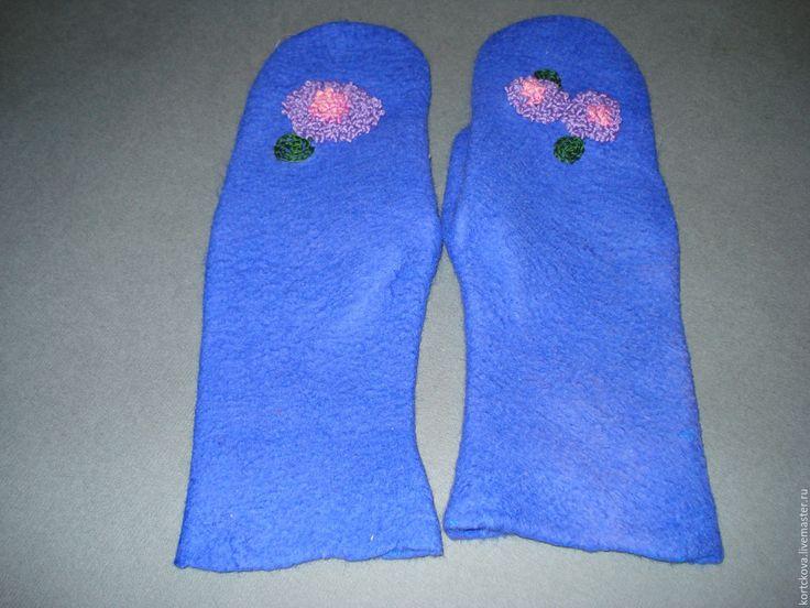 """Купить Варежки валяные """"""""Гортензия"""" - тёмно-синий, цветочный, вышивка ручная, французский узелок"""