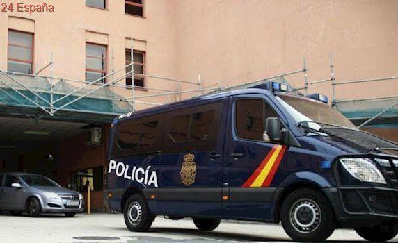 La Policía detiene a un hombre que deambulaba con un hacha por las calles de Las Palmas de Gran Canaria